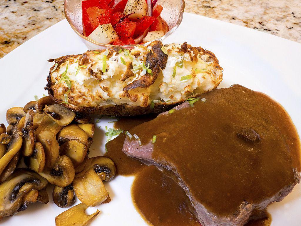 Beef Tenerloin Dinner.jpg